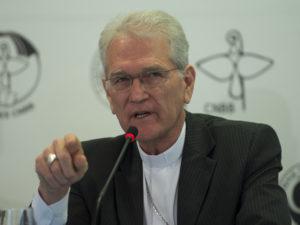 O Secretário Geral da CNBB, Dom Leonardo Steiner, durante abertura oficial da Campanha da Fraternidade 2015 nesta Quarta-feira de Cinzas, na Conferência Nacional dos Bispos do Brasil (Marcelo Camargo/Agência Brasil)
